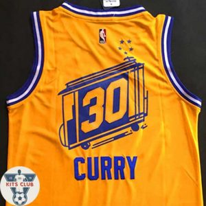 G-STATE-04-CURRY-web-001
