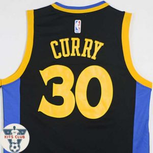 GOLDEN-STATE03_CURRY-web01