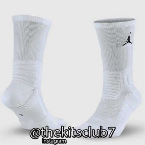 JORDAN-ULTIMATE-FLIGHT-CREW-WHITE-web-01